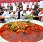 Giant fish head with diced hot peppers recorded in China's Changsha