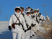 'Red Army' division conducts winter training in N China