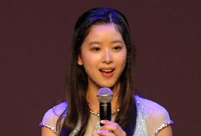 'Milk Tea' girl hosts Spring Festival gala of universities in U.S.