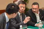 Chinese, Malaysian delegates attend meeting on missing plane